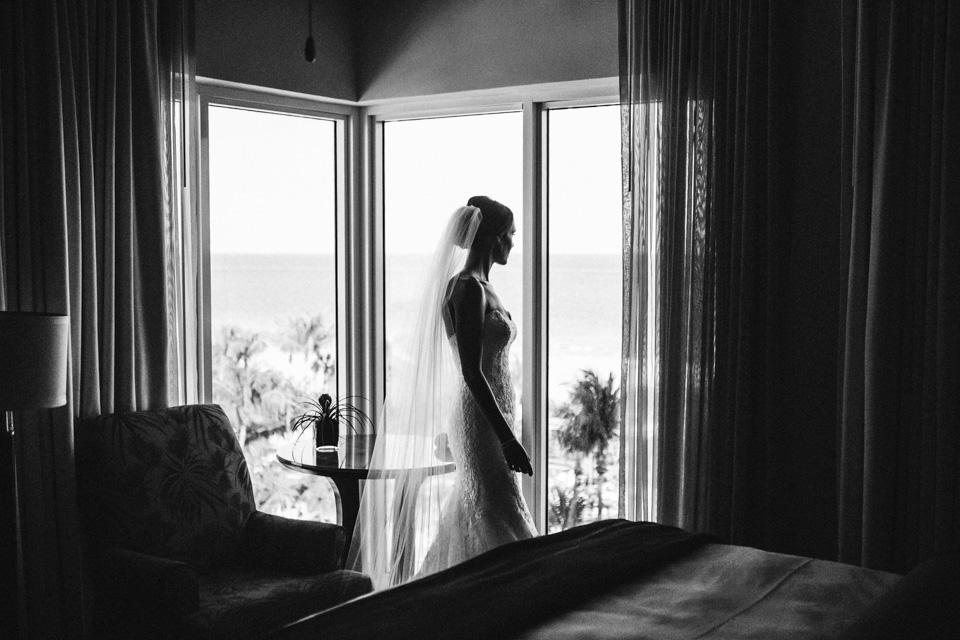 12 novia en habitacion de hotel en Miami beach