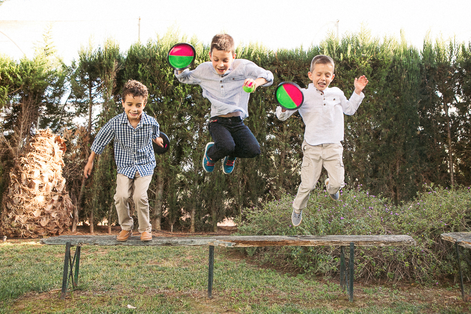 12 salto de niños boda