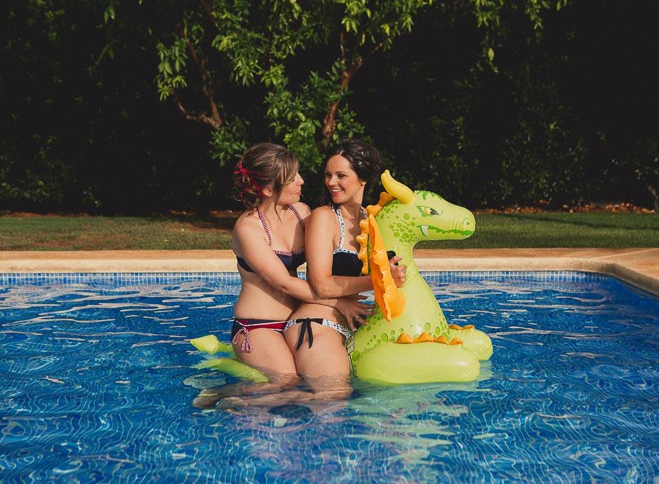 13 piscina novias