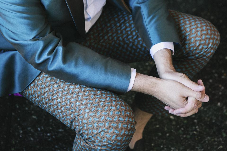 10 detalle de manos de novio