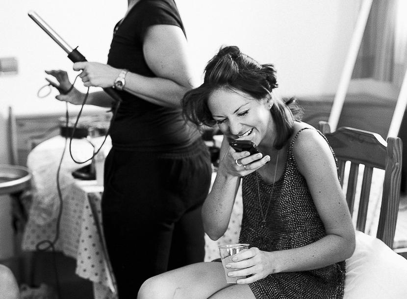11 novia riendo a carcajadas