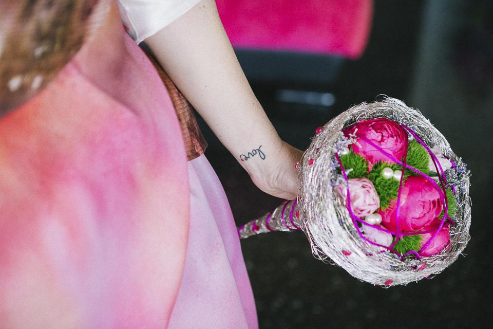 18 ramo rosa de boda tatuaje love