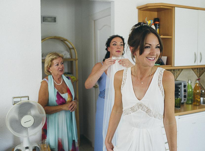 20 novia feliz con su vestido
