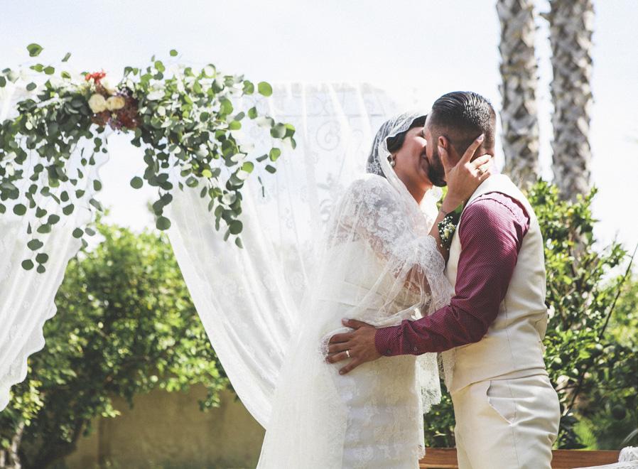 26 beso boda novios ceremonia