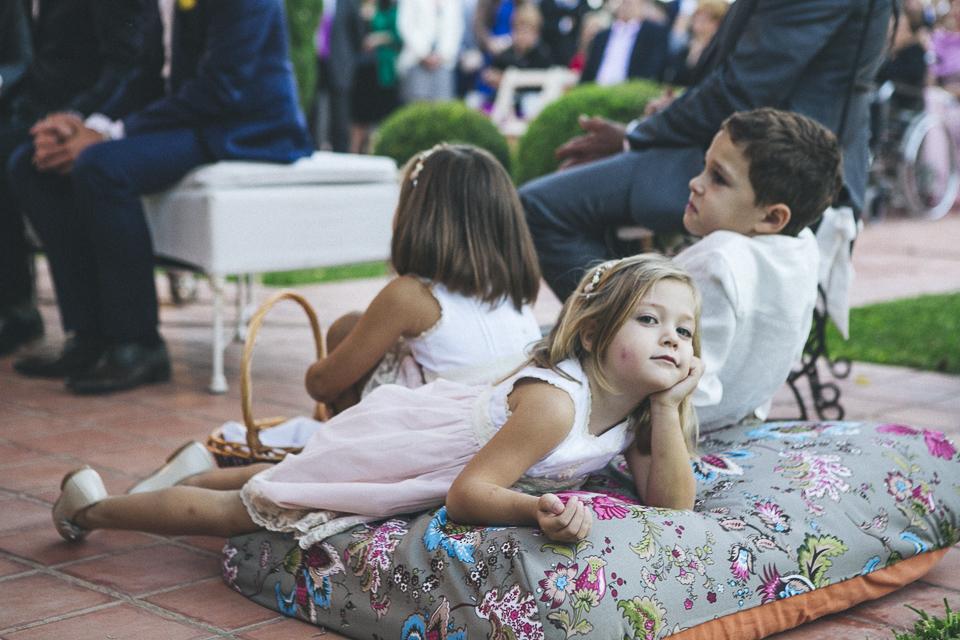 32 detalle de niños en ceremonia