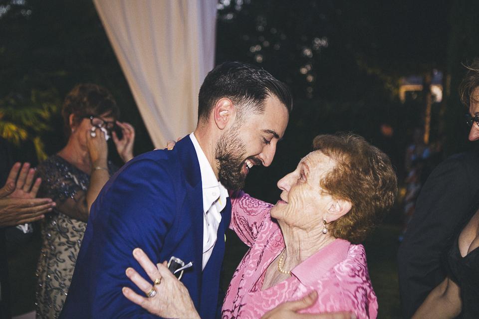 43 abrazo de abuela