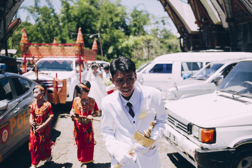 40 novio en boda toraja
