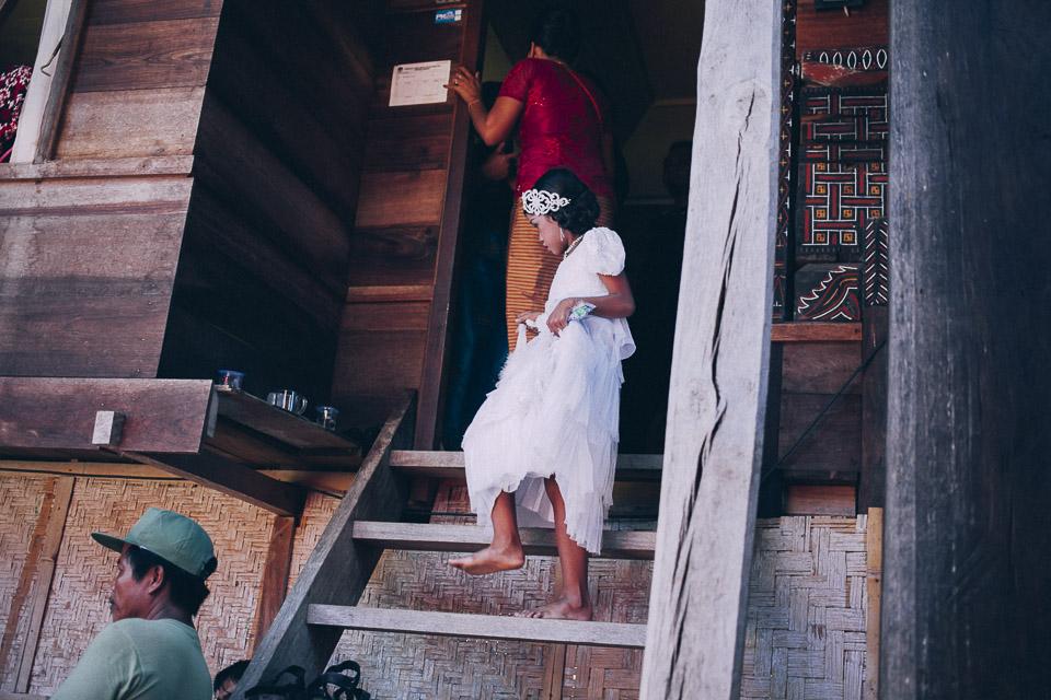 54 niña invitada a boda