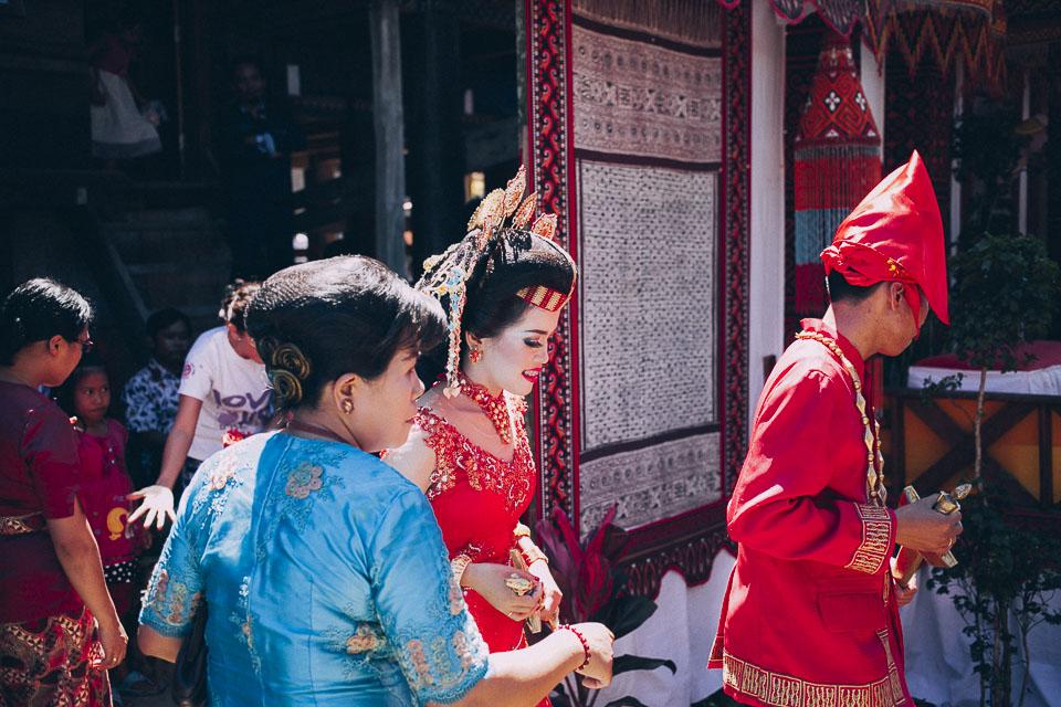 57 vestimenta animista boda Sulawesi