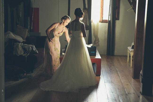dónde y cómo vestirse el día de la boda. Gisela & Ivan. Foto de: @fandi_es