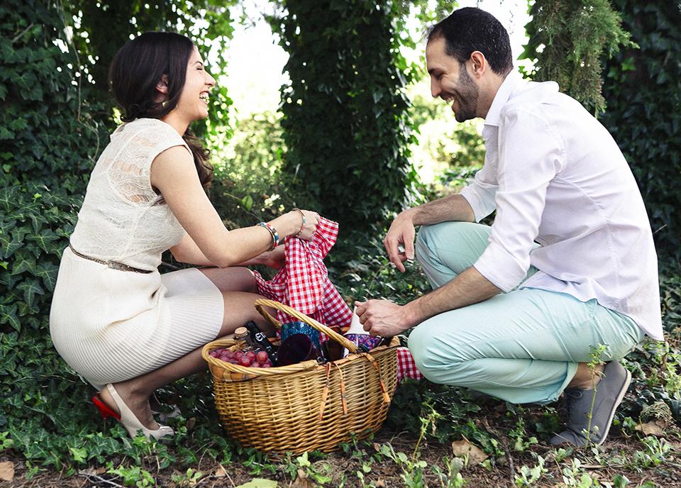 picnic en entorno primaveral