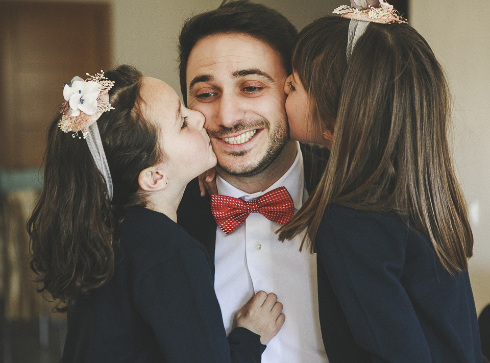 09 besos de sobrinas a novio