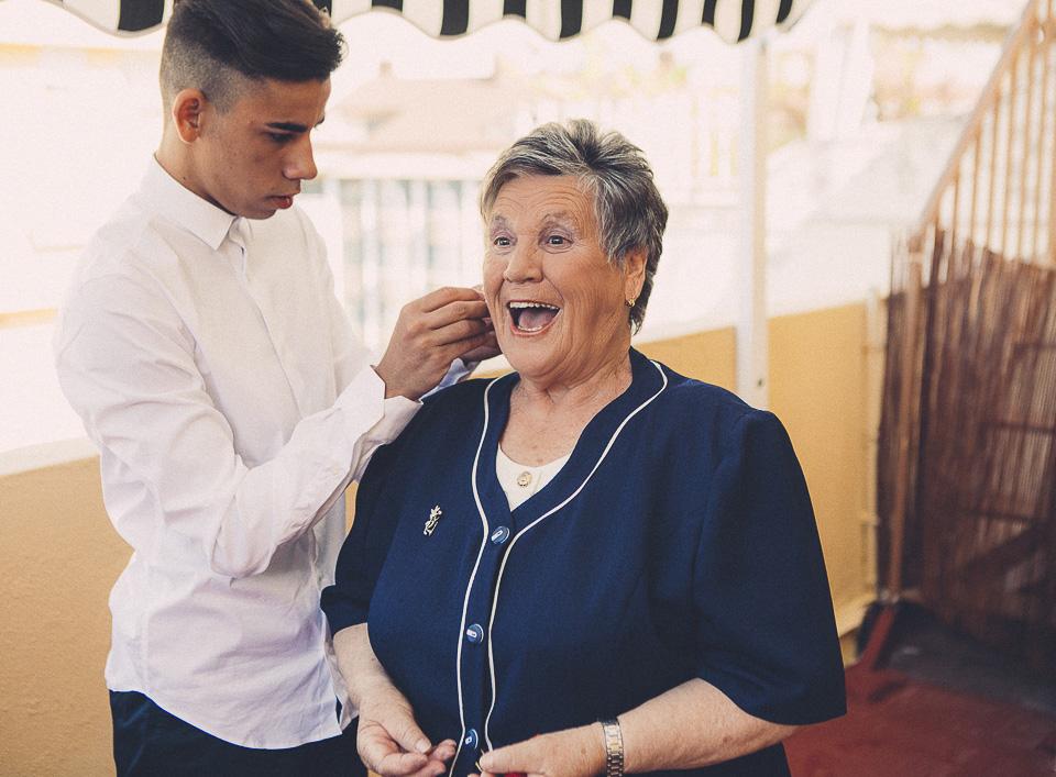 02 abuela con nieto en boda civil