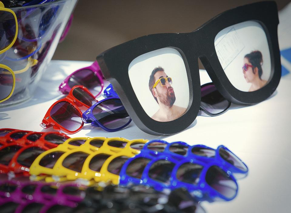 02 detalle regalo de gafas a invitados