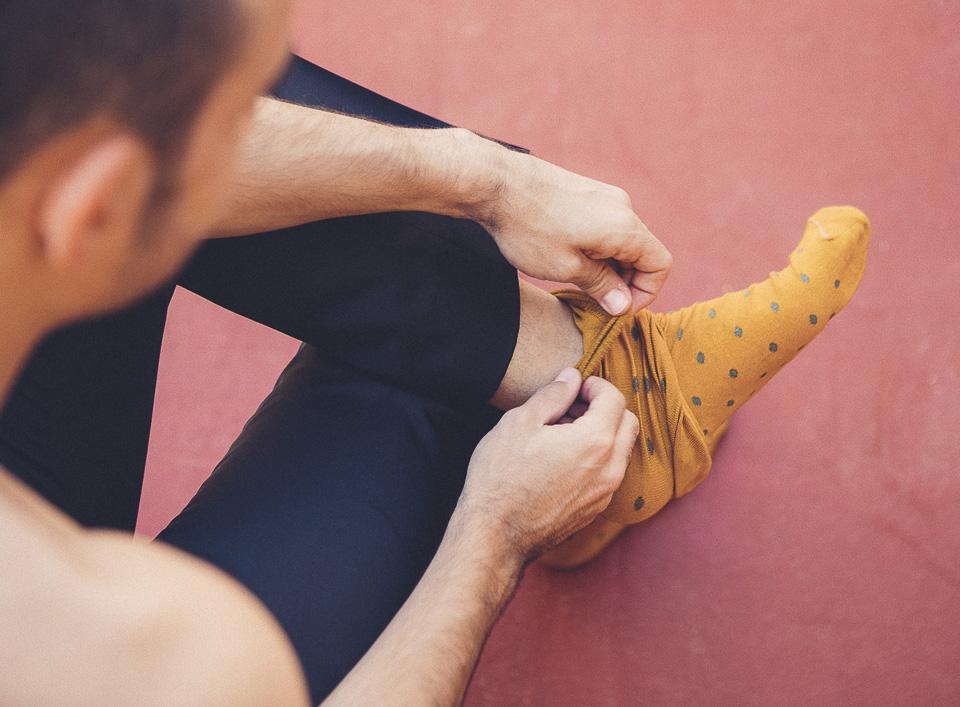 03 novio con calcetines divertidos