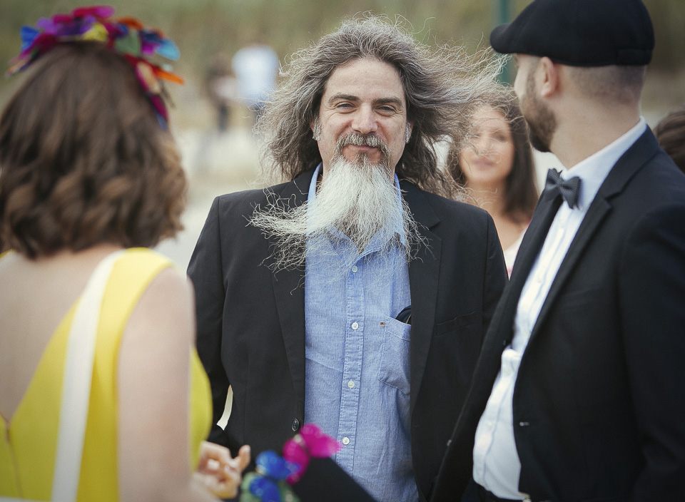 09 invitado con gran barba