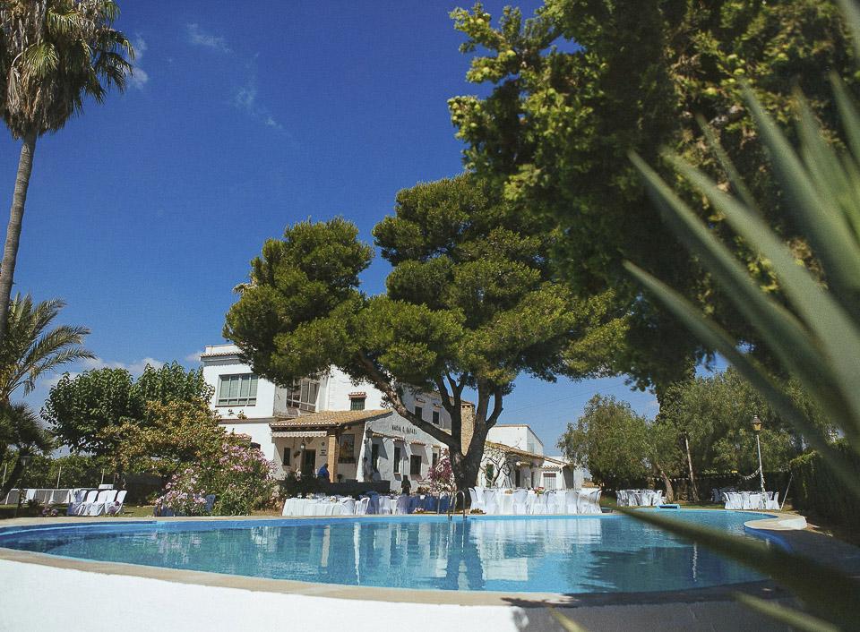 09 masia para una boda con fiesta en la piscina