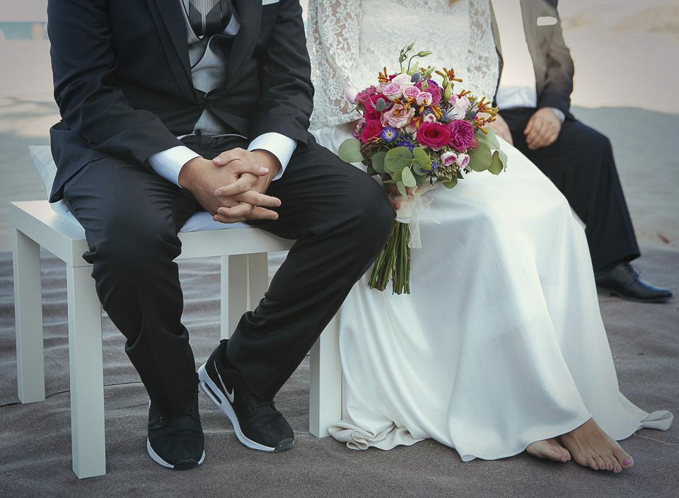 104 novia descalza en ceremonia civil