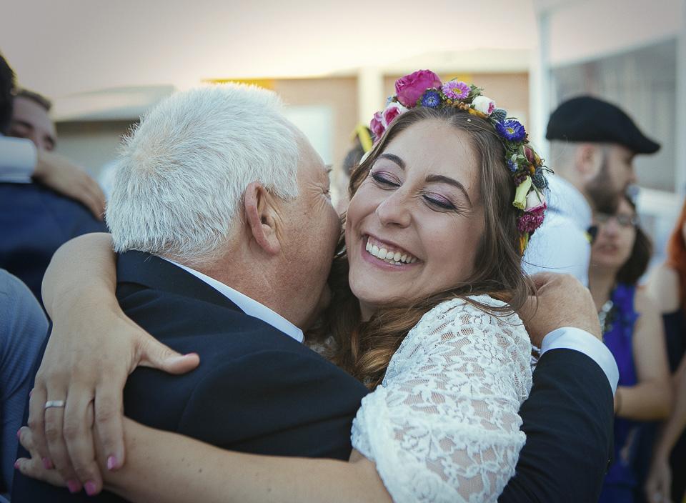 128 abrazo de novia con su padre