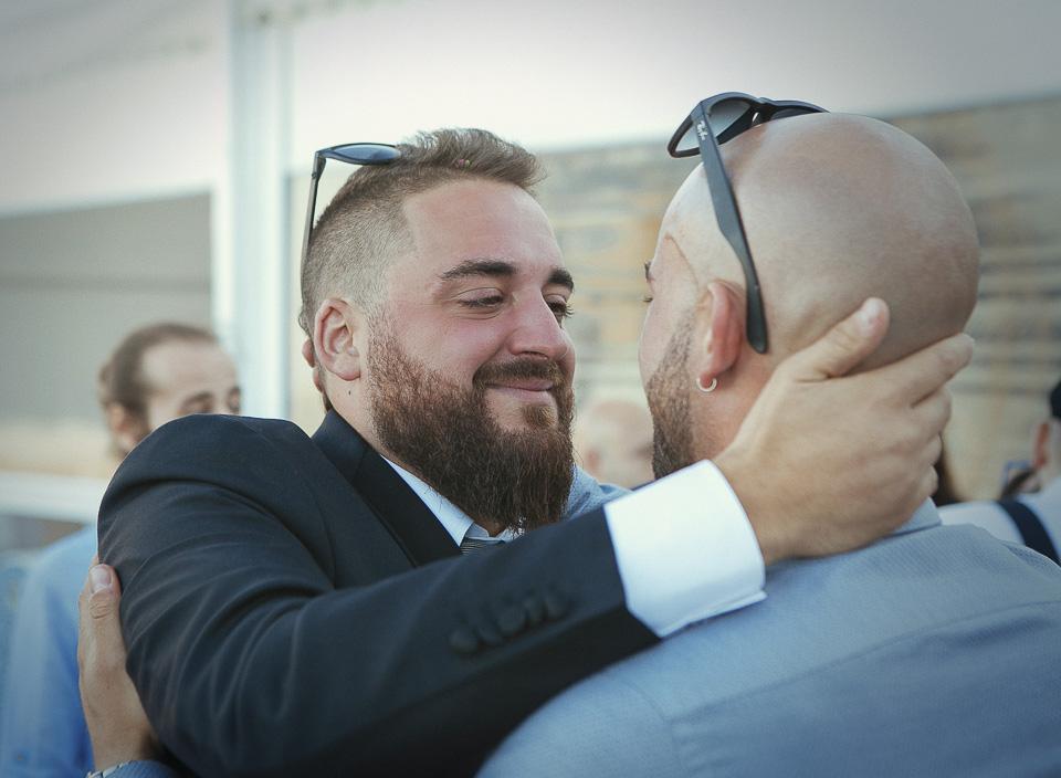 129 felicitacion de novio con amigo