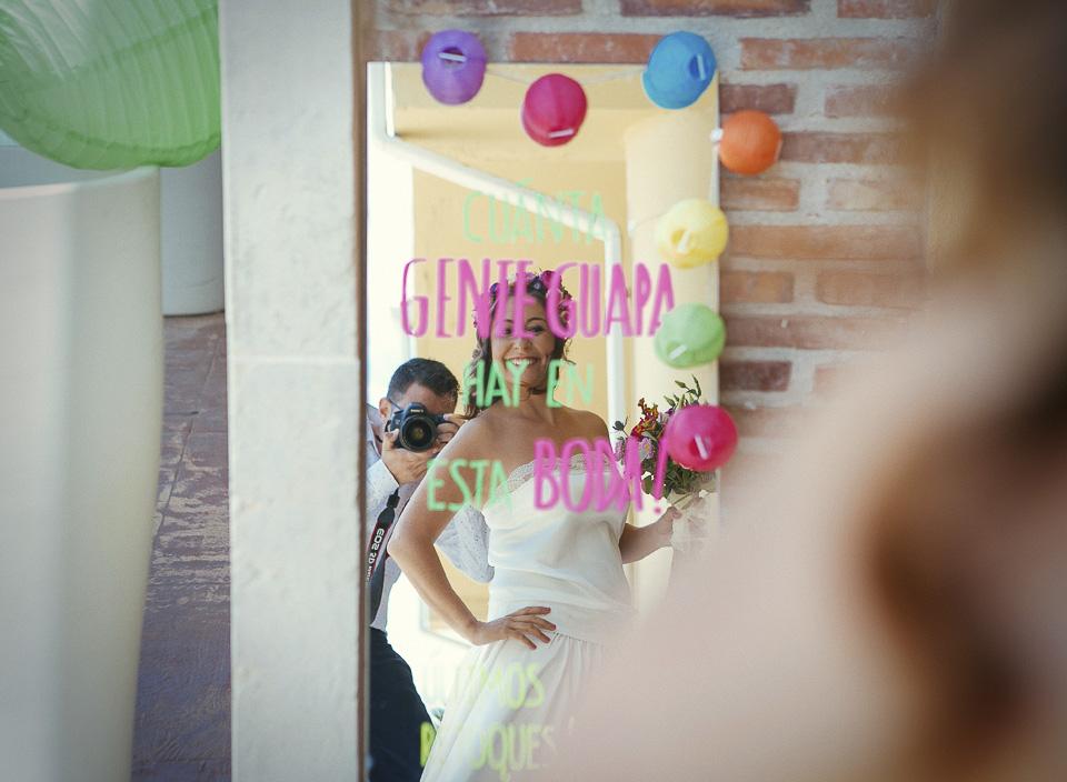 13 decoracion con espejos pintados en boda