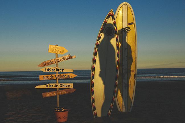 16 reportaje de pareja con tablas de surf