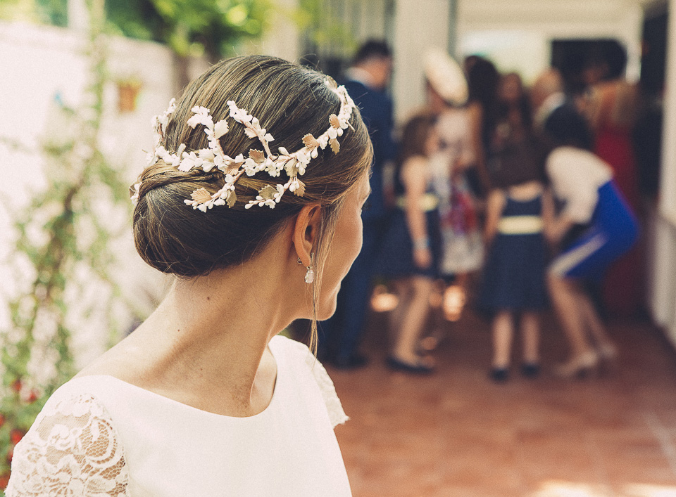 23 novia mirando a su familia