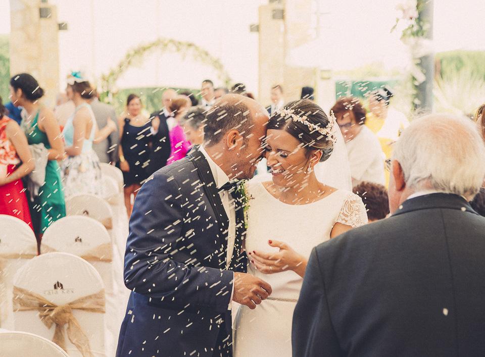 64 novios recien casados