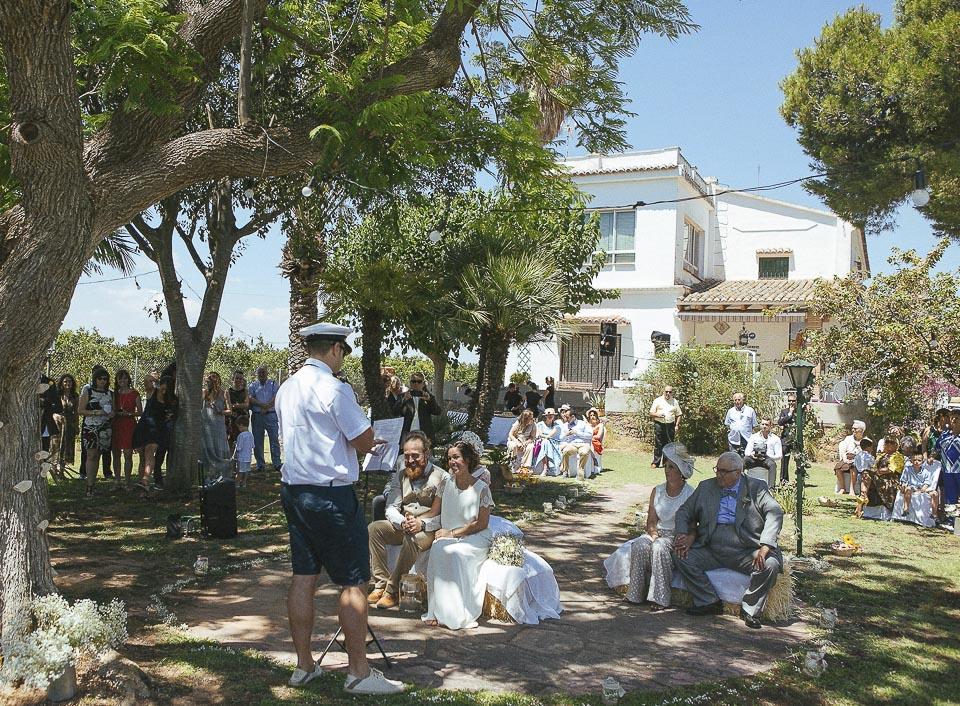 70 capitan oficiando una boda