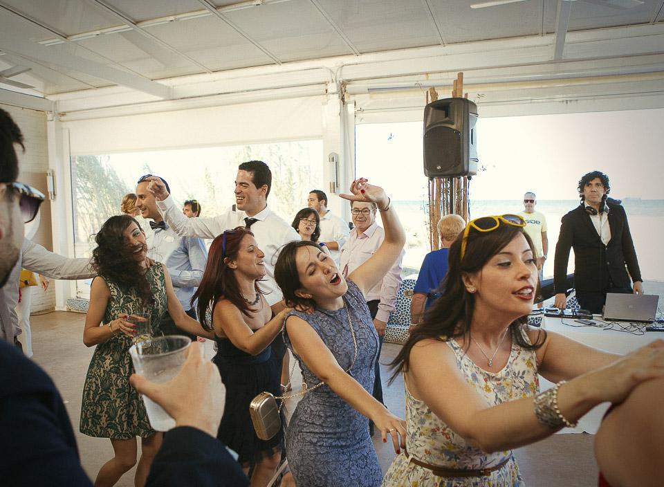 91 conga en boda
