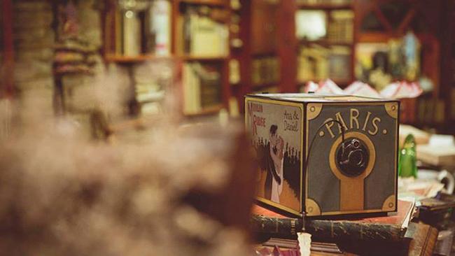 caja de fotos de boda inspirada en camara de fotos estenopleica-fandi.es