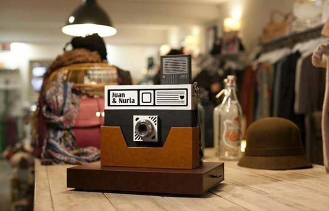 caja de fotos de boda inspirada en camara de fotos-fandi.es