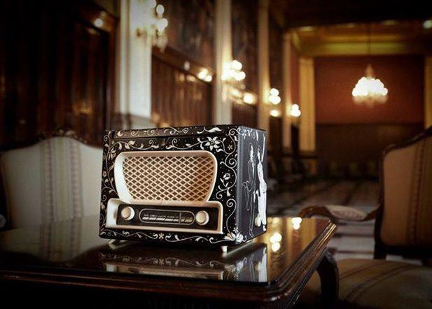 caja de fotos de boda inspirada en tocadiscos antiguo restaurado-fandi.es