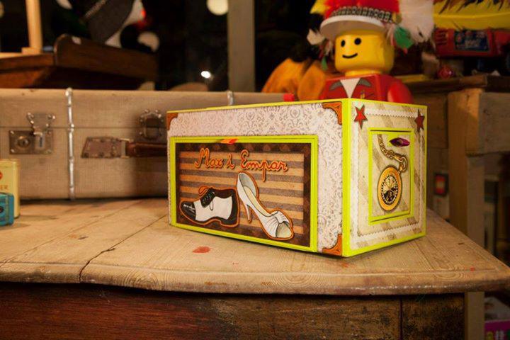 caja inspirada en scrapbook