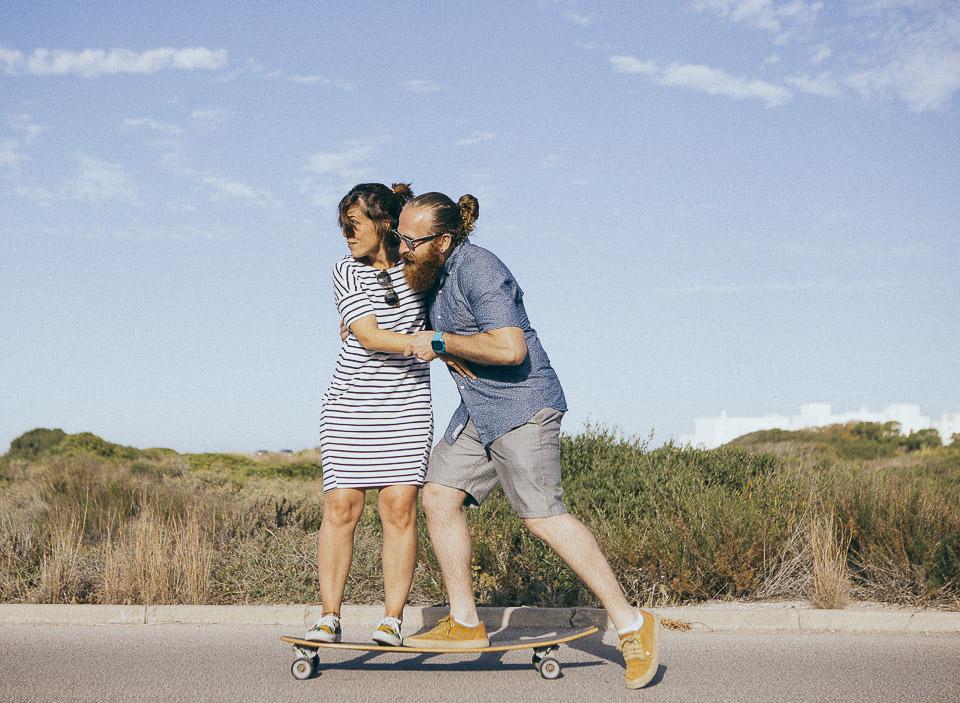 16-novios-haciendo-skate
