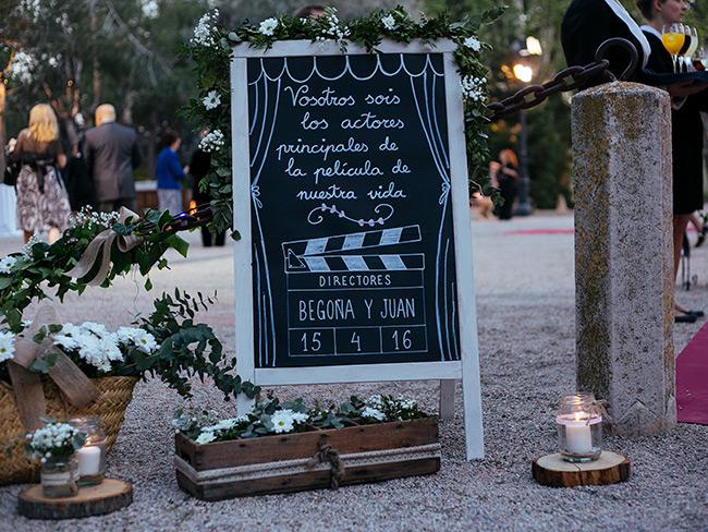 bienvenida a la boda en la entrada