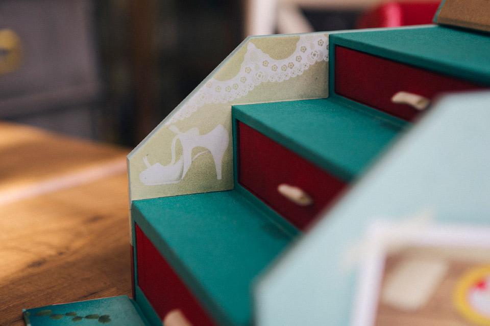 zapato-de-la-novia-en-caja-de-fotos
