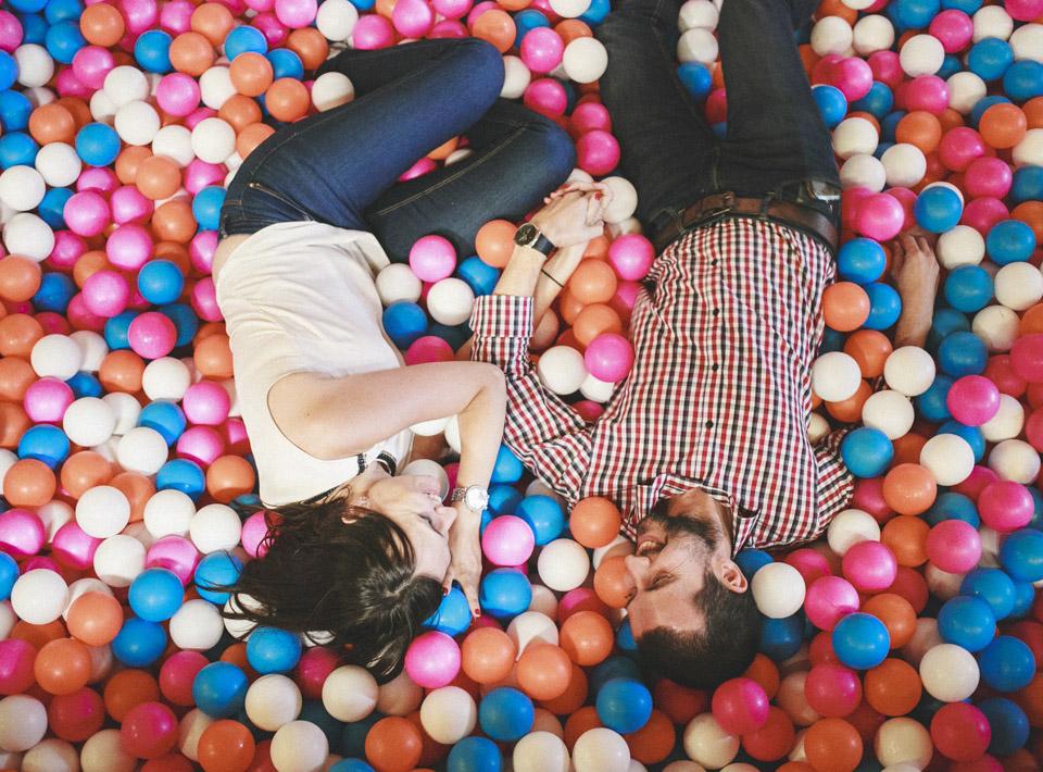 18-juego-bolas-novios-amor-paseo