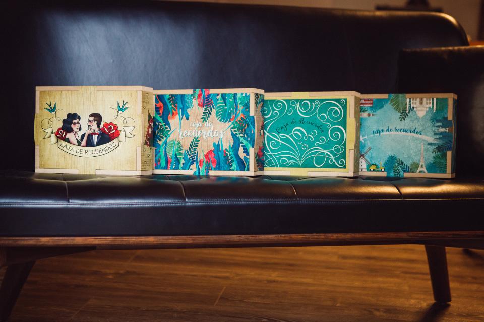 las fotos en una caja con ilustracion
