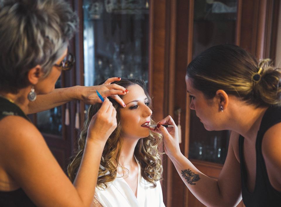 07-peluqueria-y-maquillaje-preparativos-novia