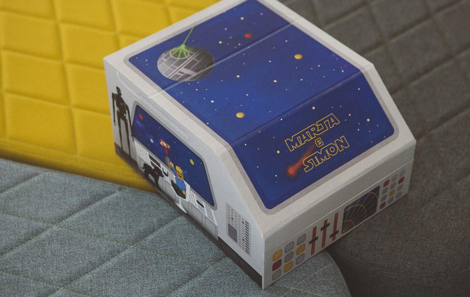 Una caja galáctica con Lego