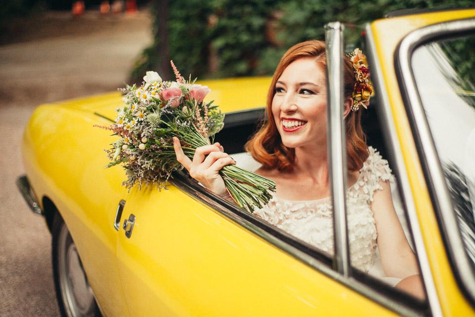 23 novia llegando en coche a molino galan