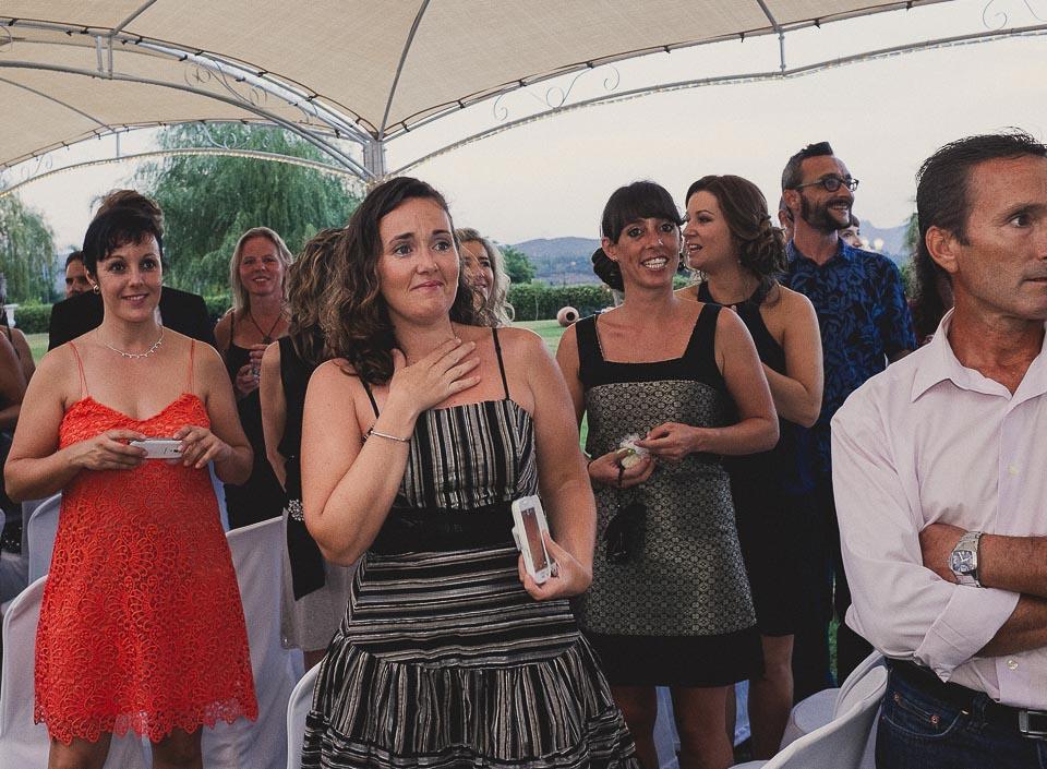 33 amiga sorprendida en boda