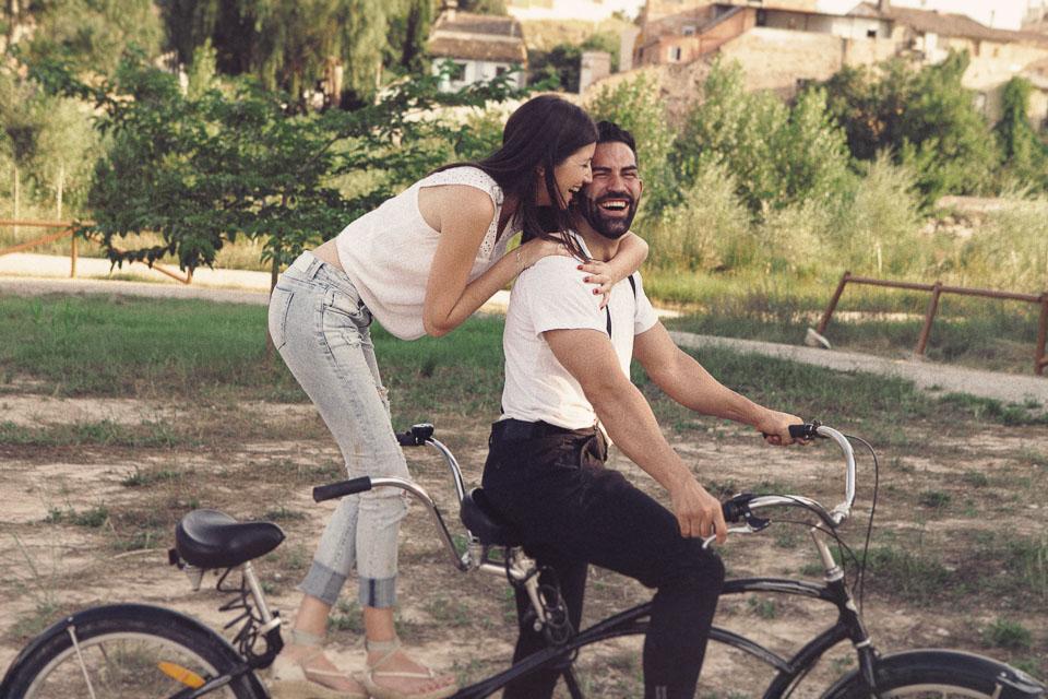 7 paseo en bicicleta tandem pareja