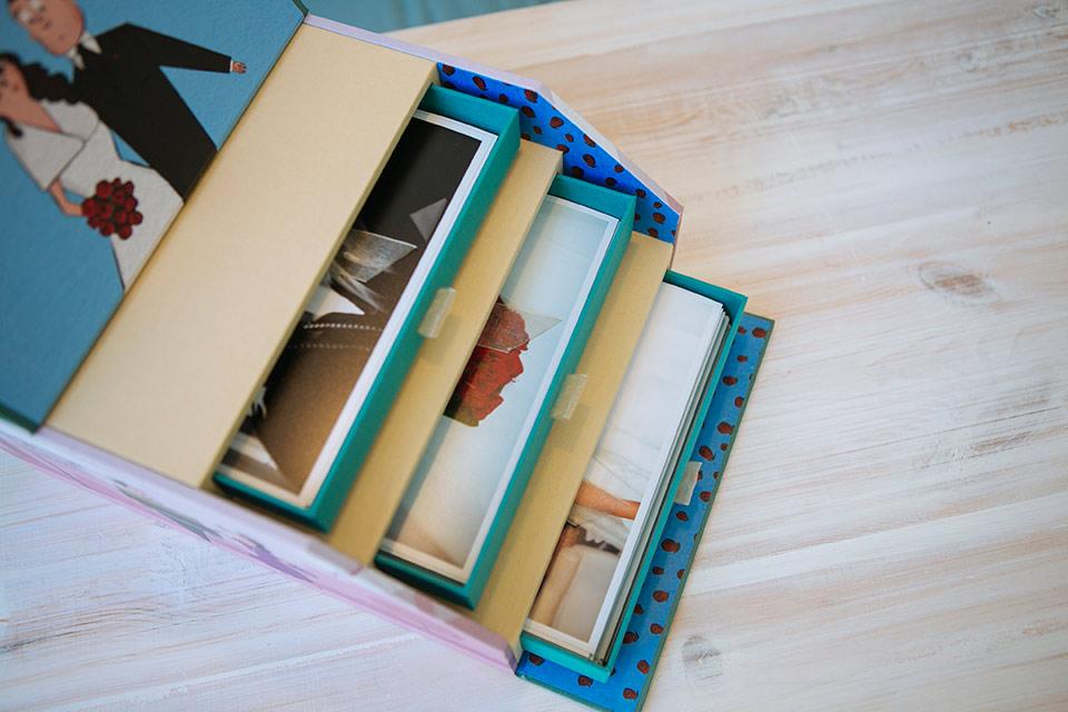 Interior de la caja de fotos